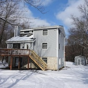 5 Bedroom 3 Bath Rental in Towamensing Trails by RedAwning