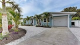 Beach Pearl 212 Archer Way by RedAwning - Anna Maria Hotels