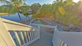 Waterfront Retreat by RedAwning - Anna Maria Hotels
