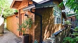 Magic Garden Home in Arcata by RedAwning - Arcata Hotels