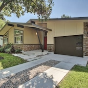 3BR Tree Shaded Home in Austin by RedAwning