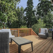 A Touch of Zen in Bellevue by RedAwning