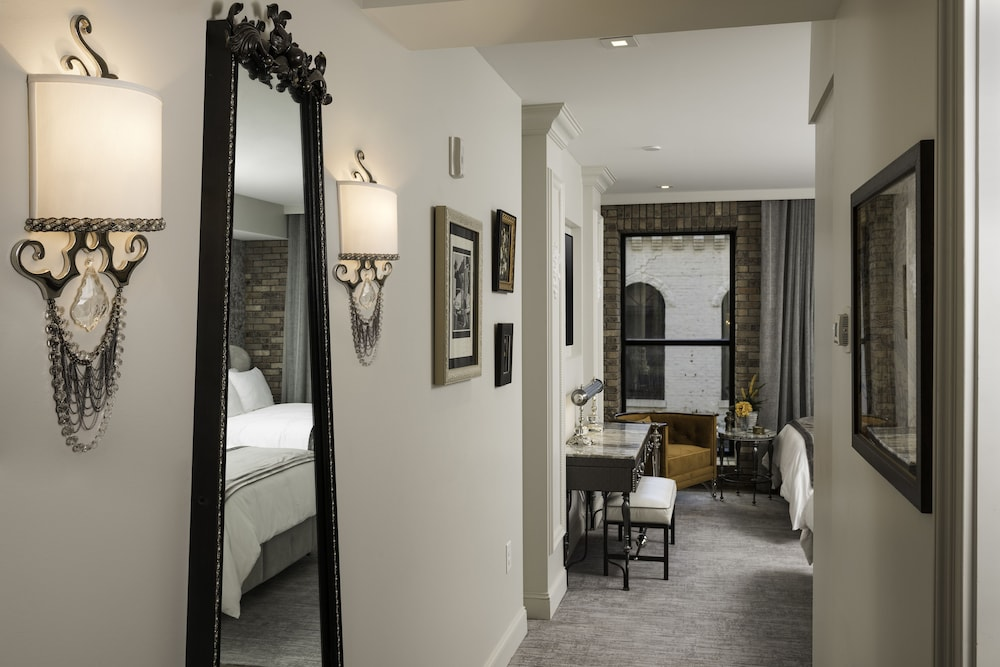 Room, The Ivey's Hotel