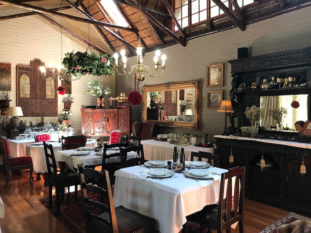 Dining, Waterhouse Guest Lodges 202 Lawley Street