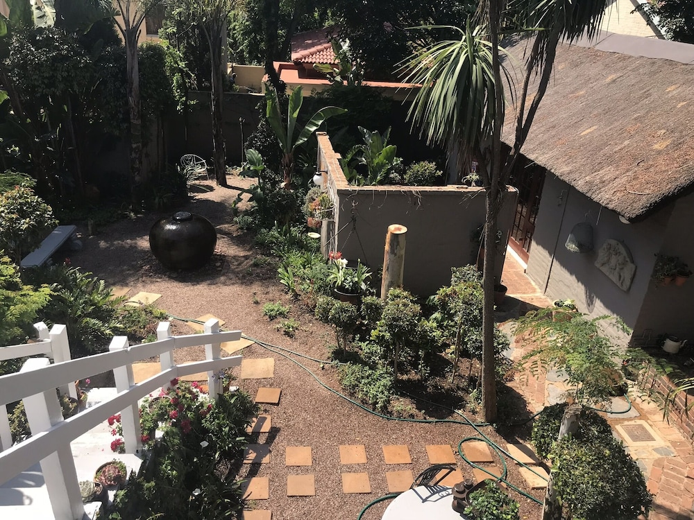 Garden View, Waterhouse Guest Lodges 202 Lawley Street