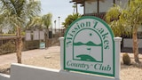 3BR Mission Lakes Country Club House by RedAwning - Desert Hot Springs Hotels