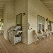 Dripping Springs Farmhouse by RedAwning