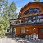 Eagle Crest Cabin 3 bedroom 2 bath Sleeps 10 by RedAwning