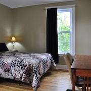 Moncton Suites - 81 Maple Street