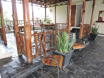 Smiling hill Apartments & Guesthouse - Reviews, Photos