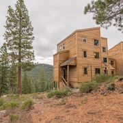 Gold Bend 4 Bedroom Holiday Home By Tahoe Truckee