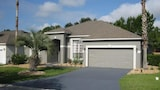 GORGEOUS HOME WITH GOLF COURSE VIEW - Haines City Hotels