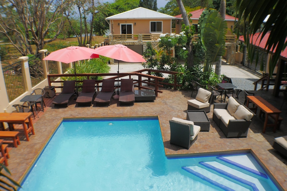 Pool, Rock Point Villas Vacations Rentals Sandy Bay, Roatan, Honduras.c.a