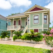 Victorian Galveston Home a Close to the Beach by RedAwning