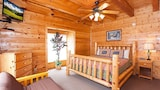 Creekside Lodge by RedAwning - Pigeon Forge Hotels