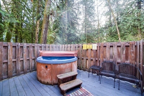 Spa, 89gs - Hot Tub - Pets Ok - Wifi - Sleeps 4 1 Bedroom Home