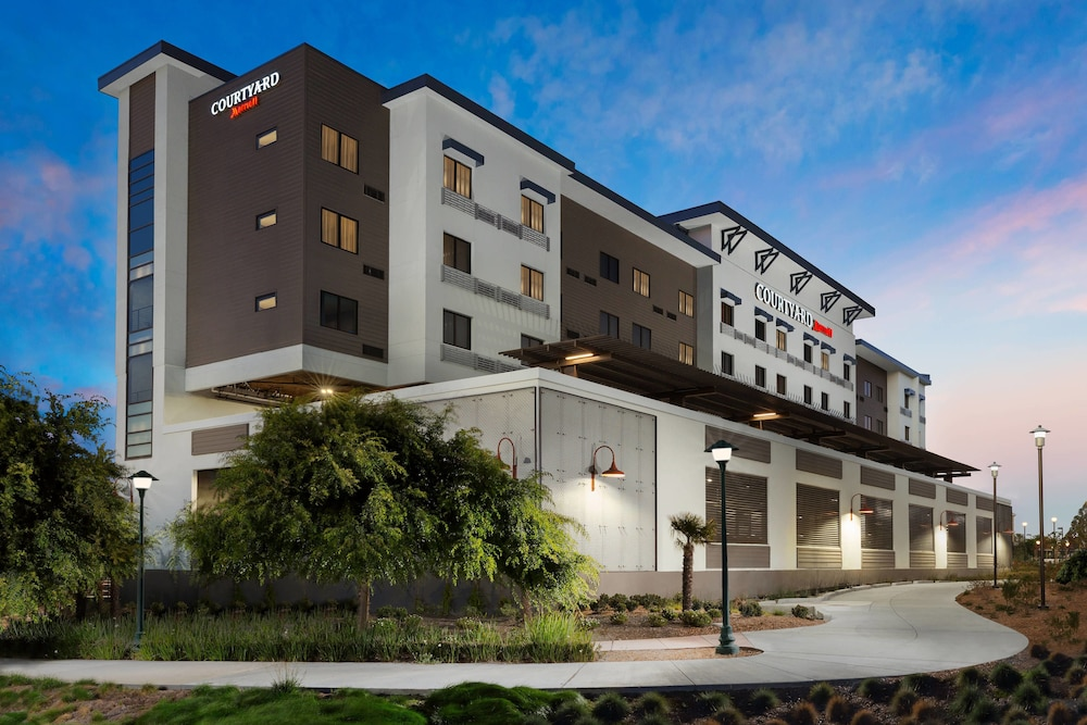 Exterior, Courtyard by Marriott Redwood City