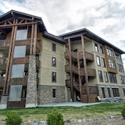 Trickle Creek - 3 Bedroom Luxury Condo with Hot Tub