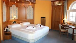 Daunenbettdecken, Zimmersafe, individuell dekoriert