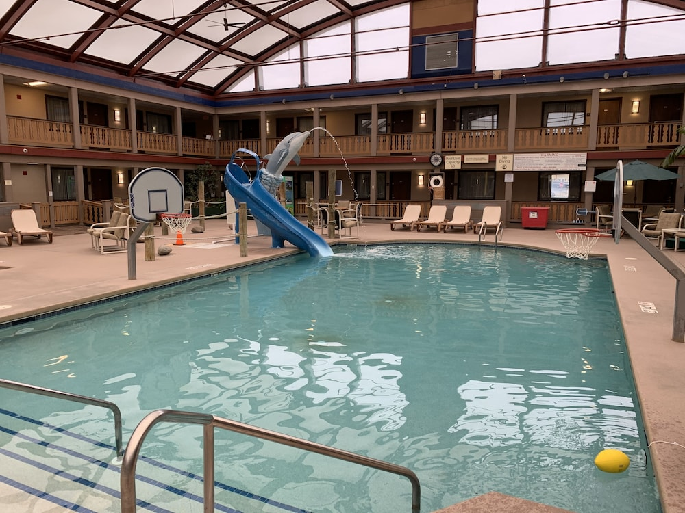 Indoor Pool, AmericInn by Wyndham La Crosse Riverfront-Conference Center