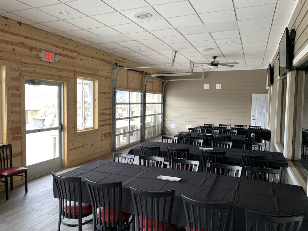 Meeting Facility, AmericInn by Wyndham La Crosse Riverfront-Conference Center