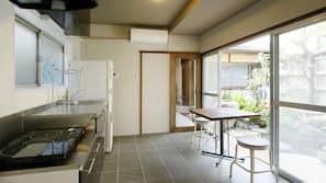 ตู้เย็น, ไมโครเวฟ, เตาทำครัว, เครื่องชงกาแฟ/ชา