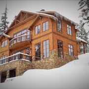 True Ski In Ski Out Palisades Home by RedAwning