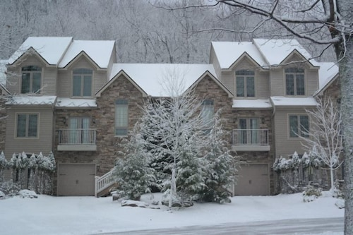 Check Expedia for Availability of 11 Laurelwoods At Big Boulder Lake and Ski Area Sleeps 16 by RedAwning
