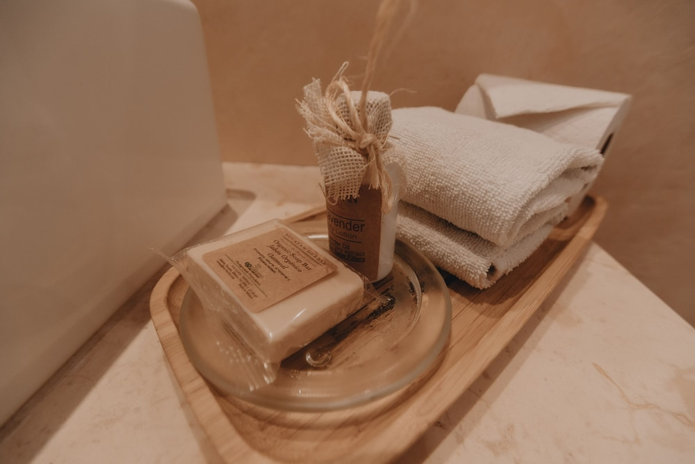 Room Amenity, Casona 61 By GuruHotel