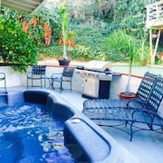 4BR LA Retreat with Hot Tub by RedAwning