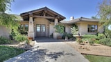 5BR Vineyard House w Pool and Views by RedAwning - Los Olivos Hotels