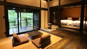 高級寢具、羽絨被、房內夾萬、設計自成一格