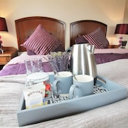 Summerfield Pub & Boutique Rooms