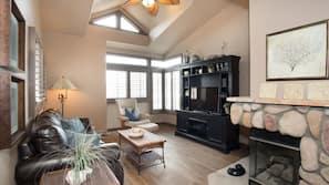 3 chambres, bureau, fer et planche à repasser, Wi-Fi gratuit