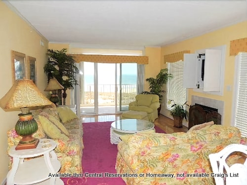 Great Place to stay Ocean Breeze 101 by RedAwning near Ocean City