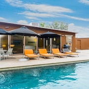 Butterfly Alexander home in Palm Springs Pool and Hot Tub by RedAwning