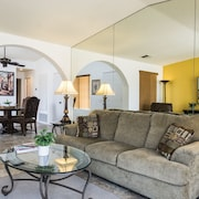 Country Club Palms Spring Condo by RedAwning