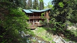 Log Cabin on the Stream - Sundance Hotels