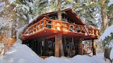 Treehouse by the Stream - Sundance Hotels