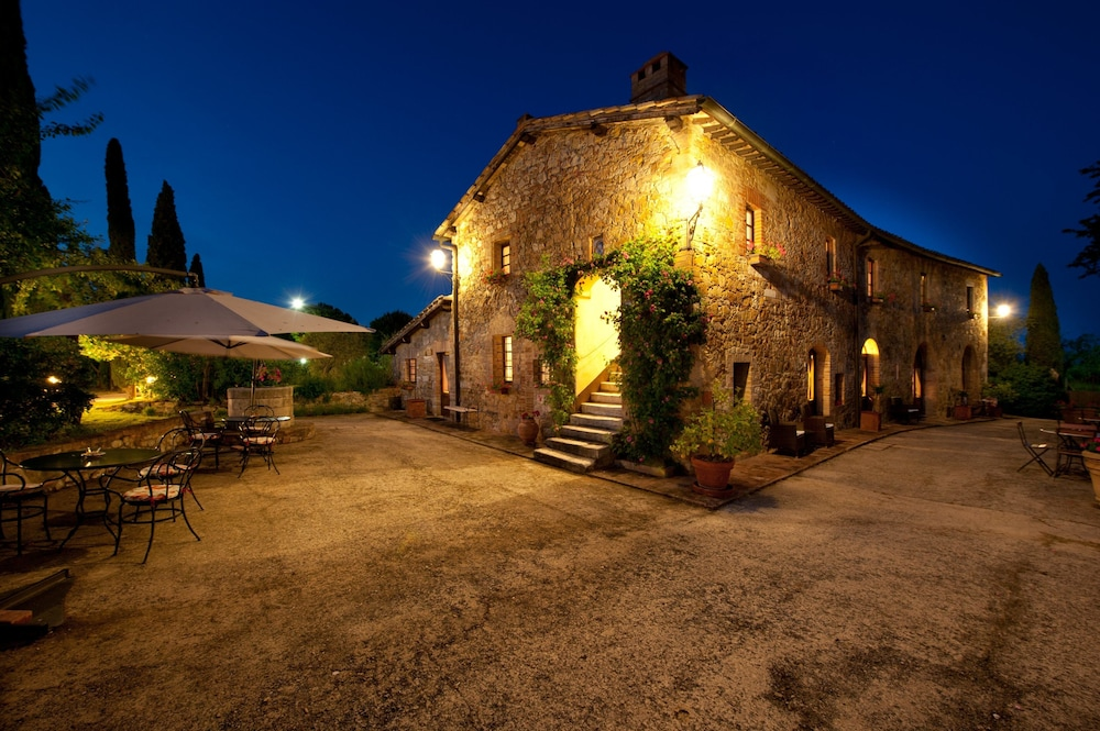 Sarna Residence In San Quirico D Orcia Hotel Rates Reviews On Orbitz