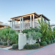 Beautiful 3BR Home steps from the Gulf and Rosemary Beach by RedAwning