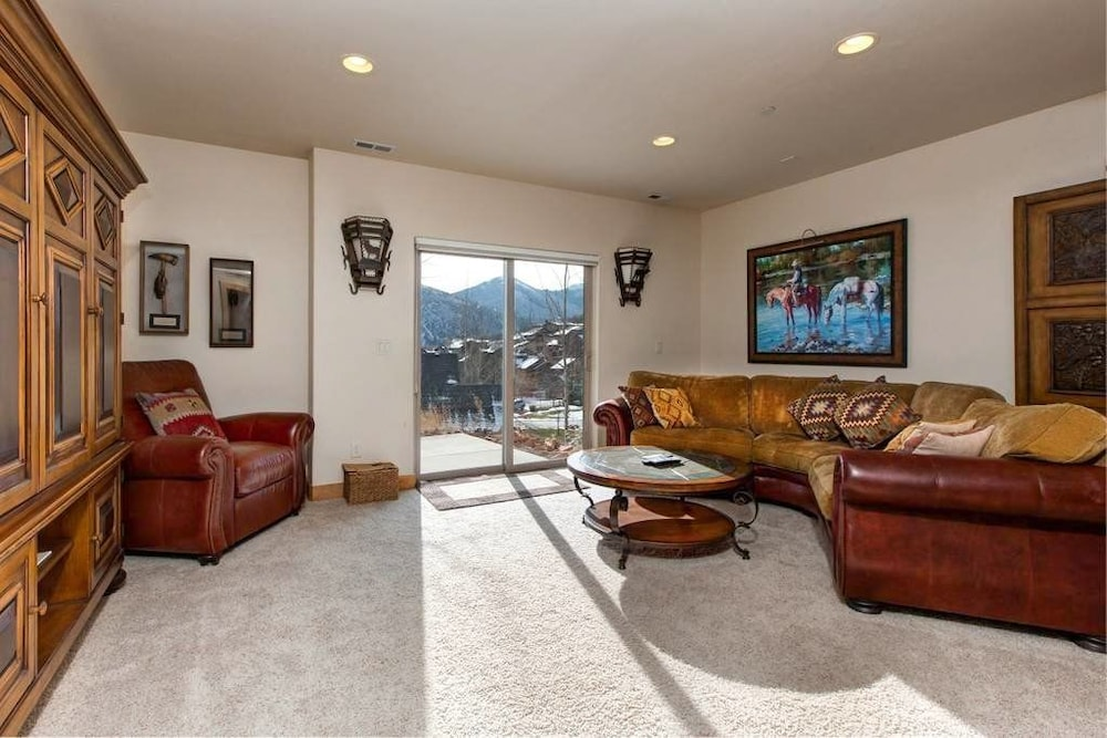 Living Area, Luxury Log  In Park City 4 Bedroom Townhouse