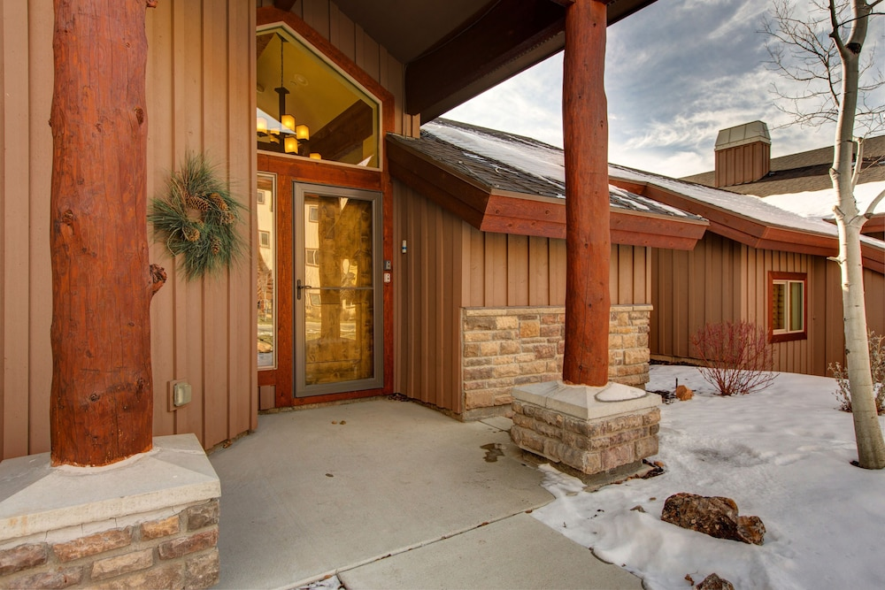 Property Entrance, Luxury Log  In Park City 4 Bedroom Townhouse
