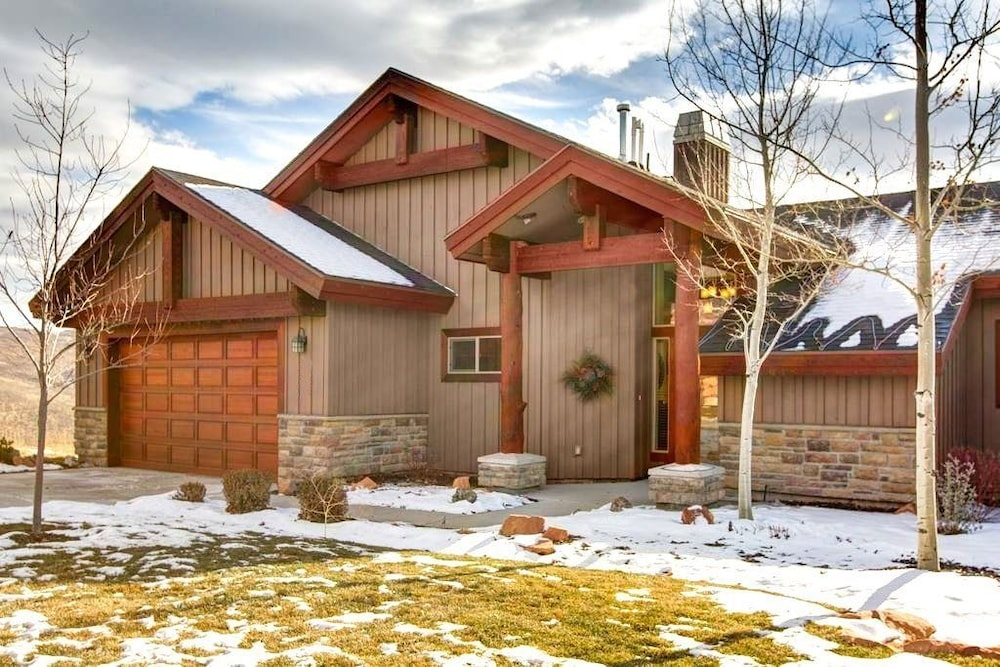 Front of Property, Luxury Log  In Park City 4 Bedroom Townhouse