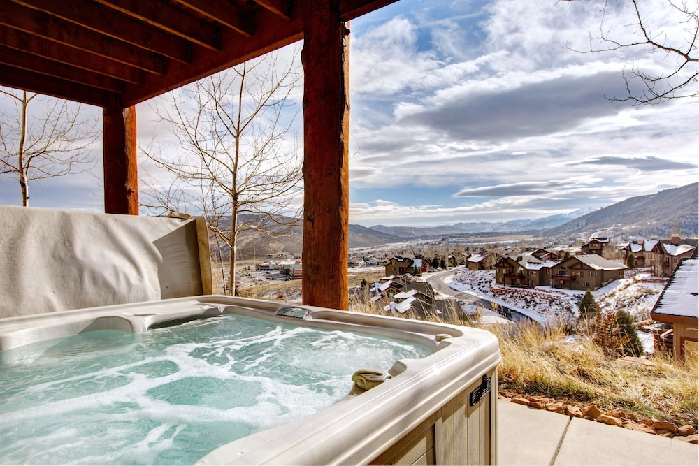 Featured Image, Luxury Log  In Park City 4 Bedroom Townhouse