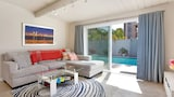 2BR Remodeled Home Pool and Hot Tub by RedAwning - San Diego Hotels