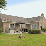 Centrally Located Detached Holiday Home in the Center of Callantsoog