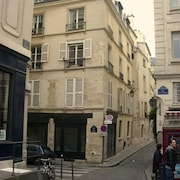 Studio Apartment in the Center of Paris With Washing Machine