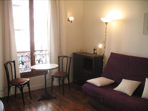 Book Studio Apartment in Paris With Washing Machine | Paris Hotel Deals