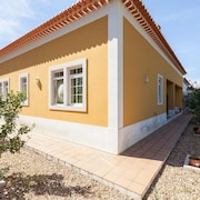 Villa in Óbidos Municipality With Terrace, Parking, Washing Machine
